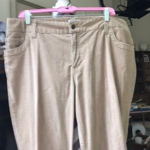Izod stretch pants. Two front and two back pockets